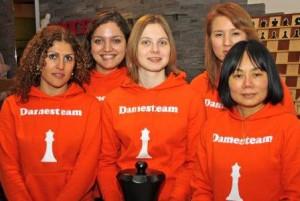 ChessQueens2
